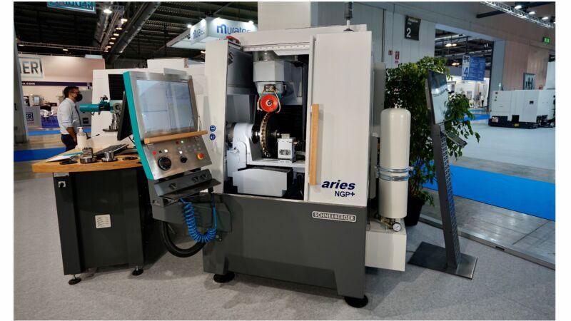 5-Achsen CNC-Schleifmaschine mit X 420, Y 360, Z 325 mm Arbeitsbereich
